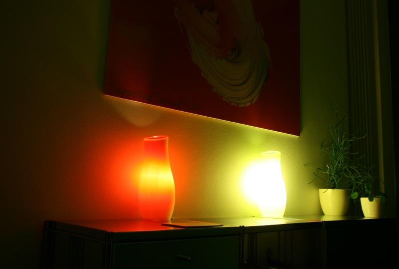 Dimmbare Tischleuchten aus farbigem Glas